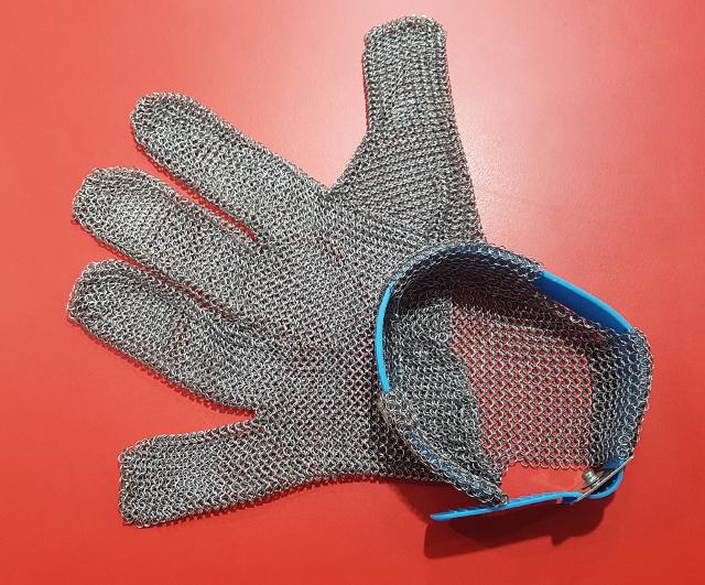 Denlish 5-Finger Wrist Mesh Glove Large|Clearance Bucket| Barnco